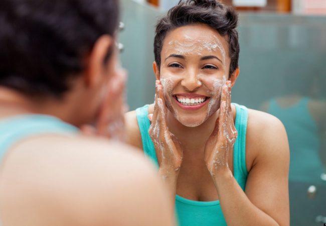 Sådan renser du dit ansigt: trin for trin